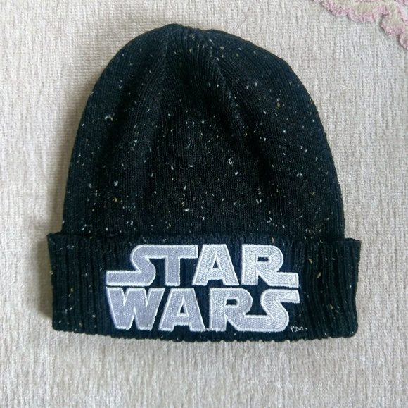 22275b0f4 STAR WARS WINTER HAT